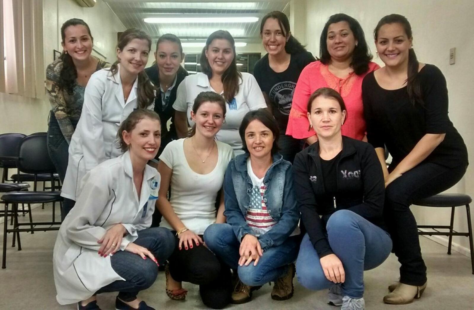 Hospital Santa Lúcia realiza curso de libras para profissionais da unidade e forma primeira turma
