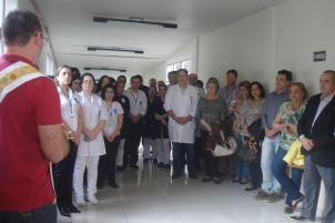 75 anos - Hospital Santa Lucia recebe ben��o pelos anos de hist�ria